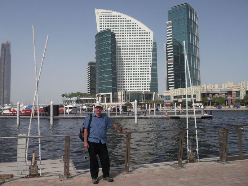 large_6472629-Hubbie_at_the_marina_Dubai.jpg
