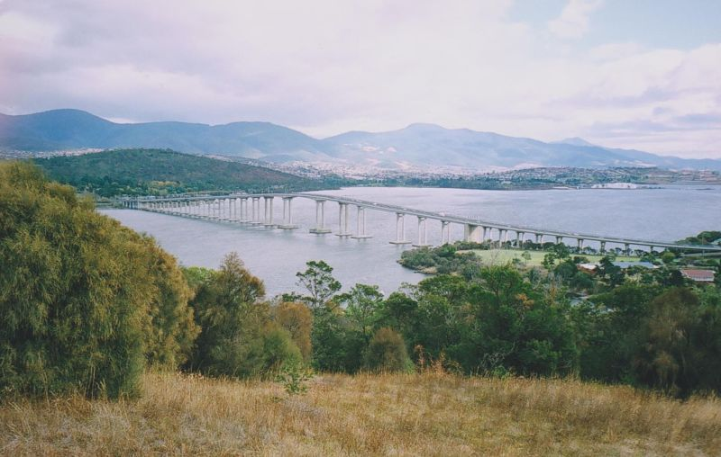 large_6762861-Tasman_Bridge.jpg