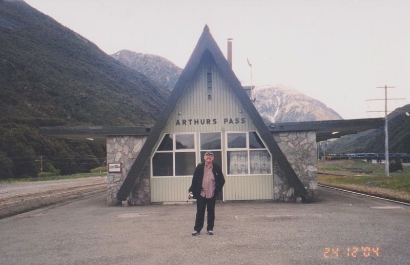 large_6763608-Arthurs_Pass_New_Zealand.jpg