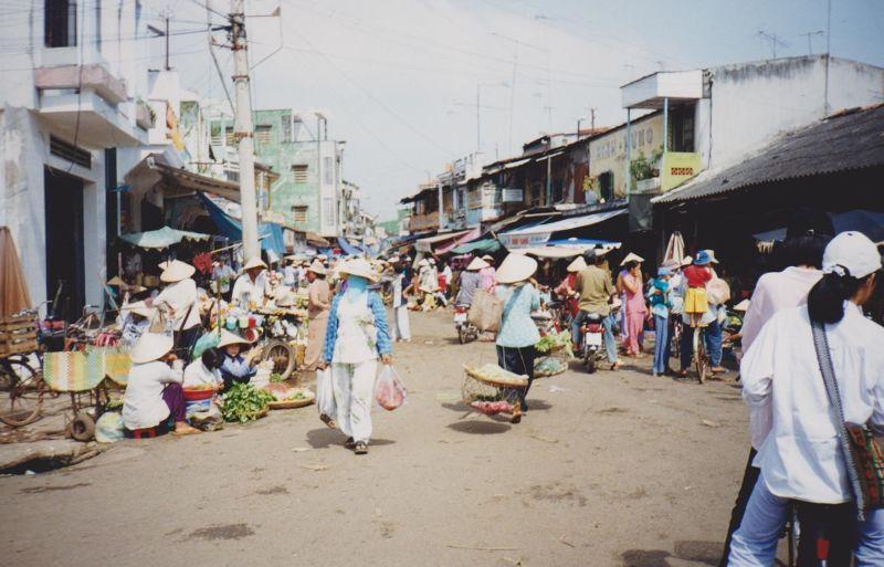 large_6765392-My_Tho_Market_Ho_Chi_Minh_City.jpg
