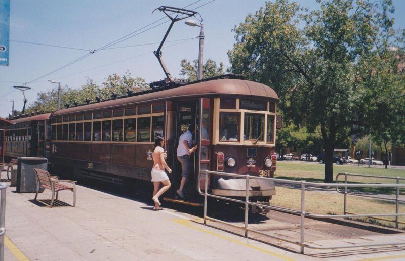 large_6765508-Glenelg_tram_Adelaide.jpg