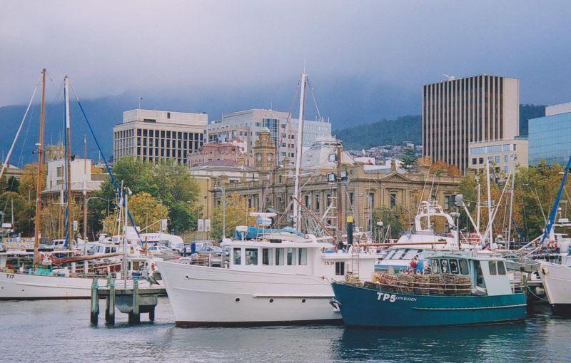 large_6765901-Hobart_Harbour.jpg