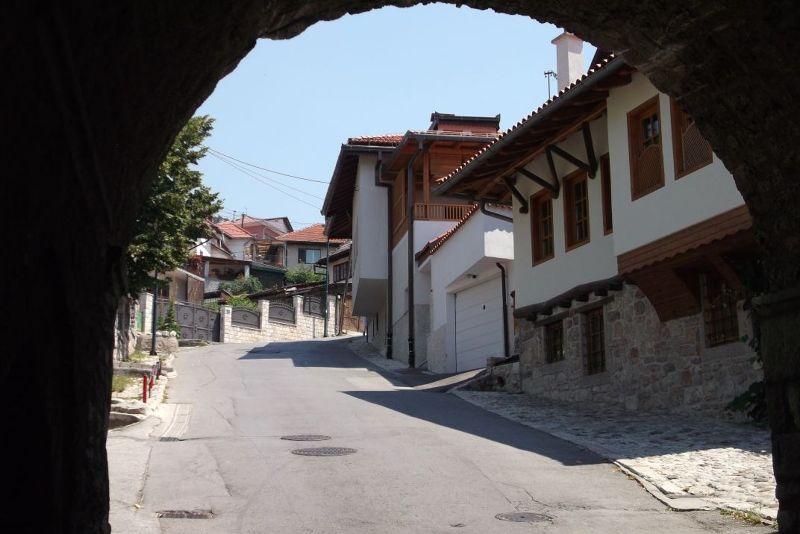 large_6785806-Through_the_gate_Sarajevo.jpg