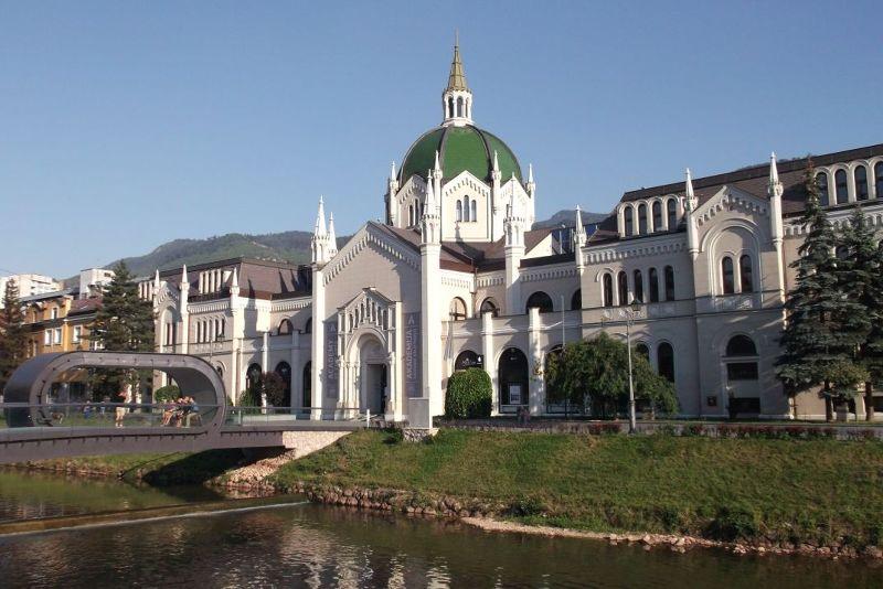large_6786339-_Sarajevo.jpg