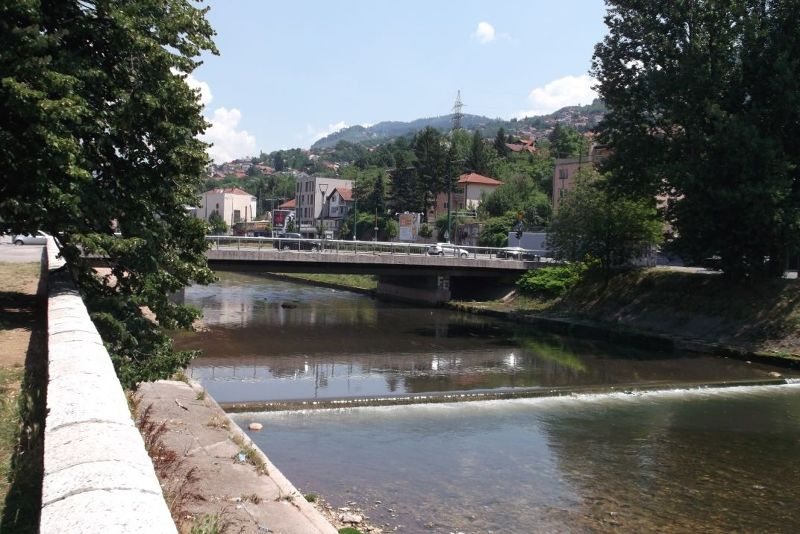 large_6786342-_Sarajevo.jpg