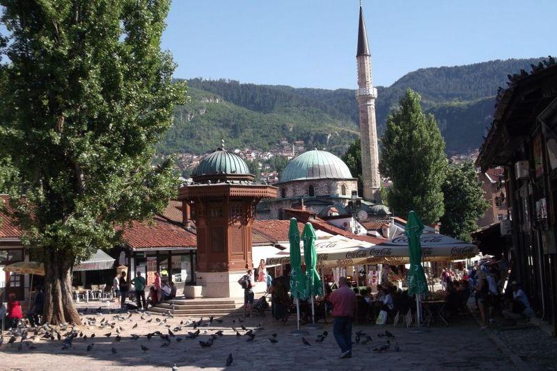 large_6786356-_Sarajevo.jpg