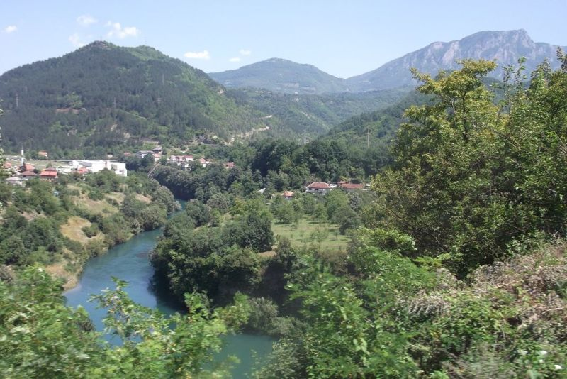 large_6789912-Bus_To_Mostar.jpg