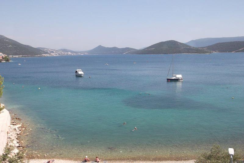 large_6790283-Bus_To_Dubrovnik.jpg