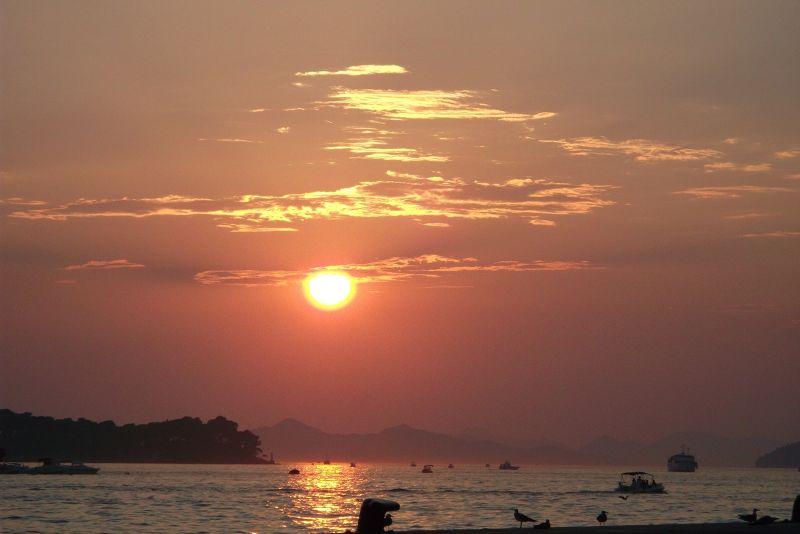 large_6790477-Sunset_over_Dubrovnik_Dubrovnik.jpg