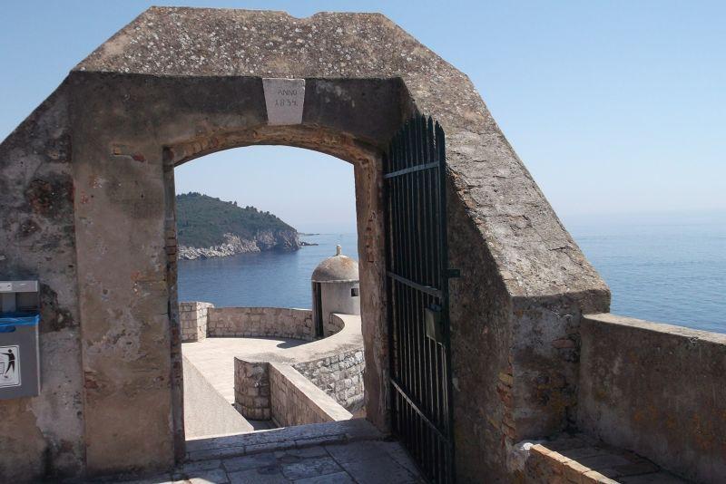 large_6790479-City_Walls_Dubrovnik.jpg