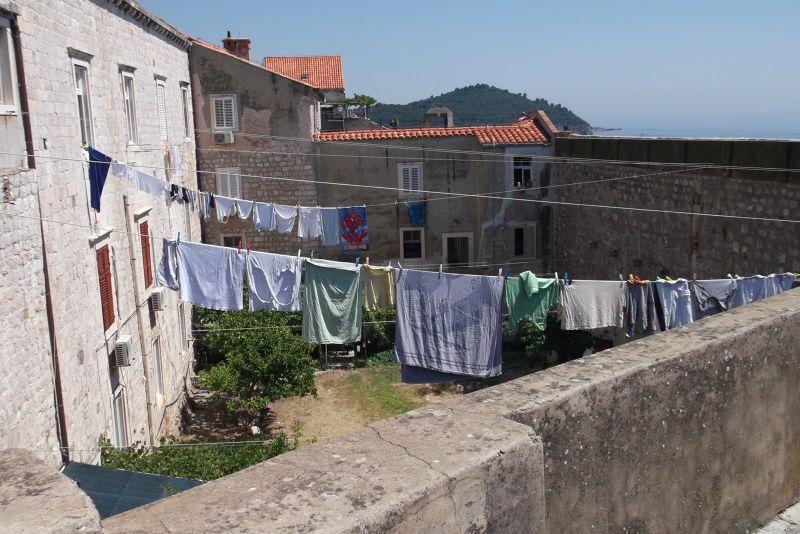 large_6790533-Washing.jpg