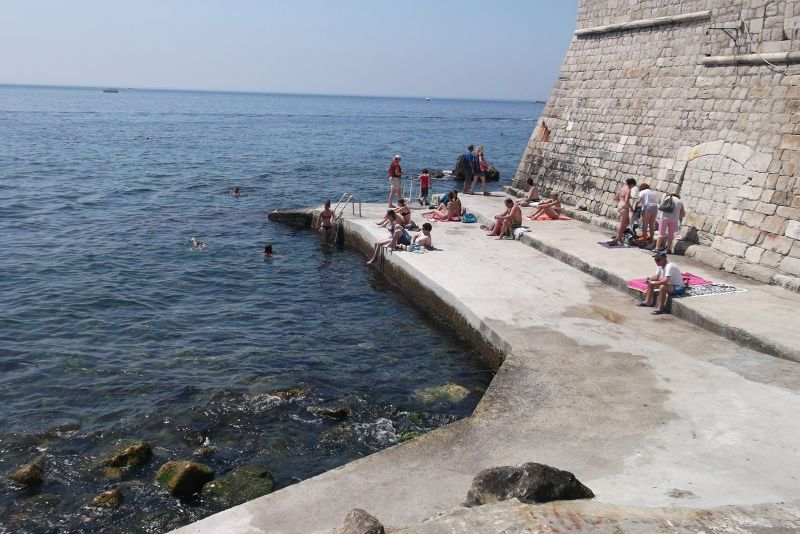 large_6790576-Swimming_at_the_Old_Port_Dubrovnik.jpg