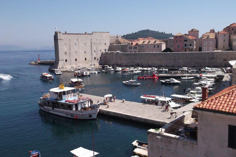 large_6790578-The_Old_Port_Dubrovnik.jpg