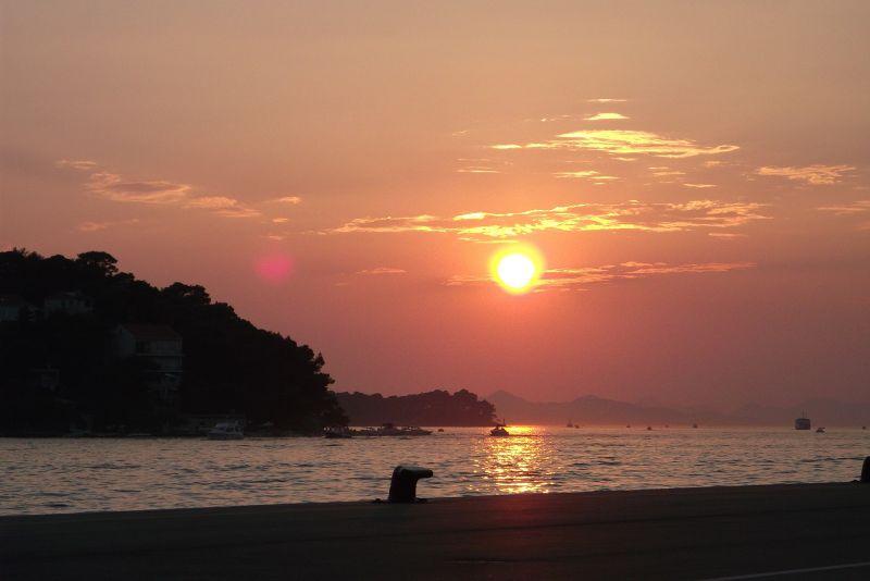large_6790636-Sunsets.jpg