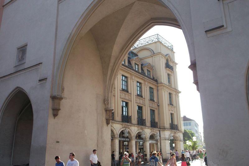Karl's Tor. - Munich