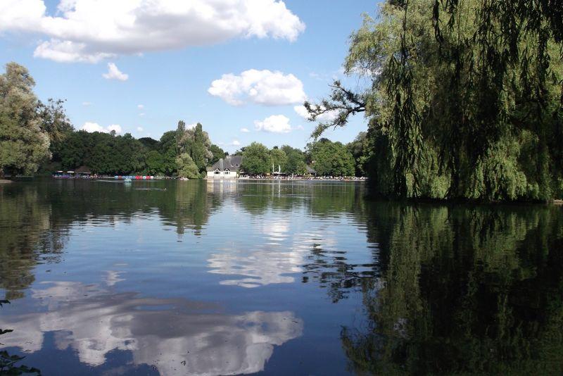 The English Gardens - the lake. - Munich