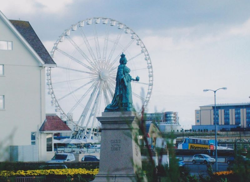 Queen Victoria Statue. - Jersey