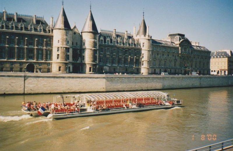 Batobus, The River Seine - Paris