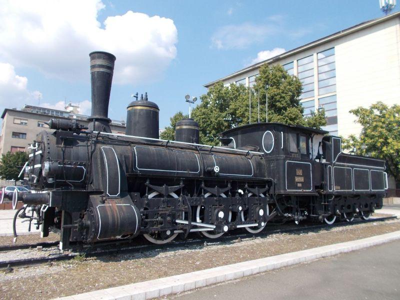 large_7138760-Steam_Engine_Zagreb.jpg