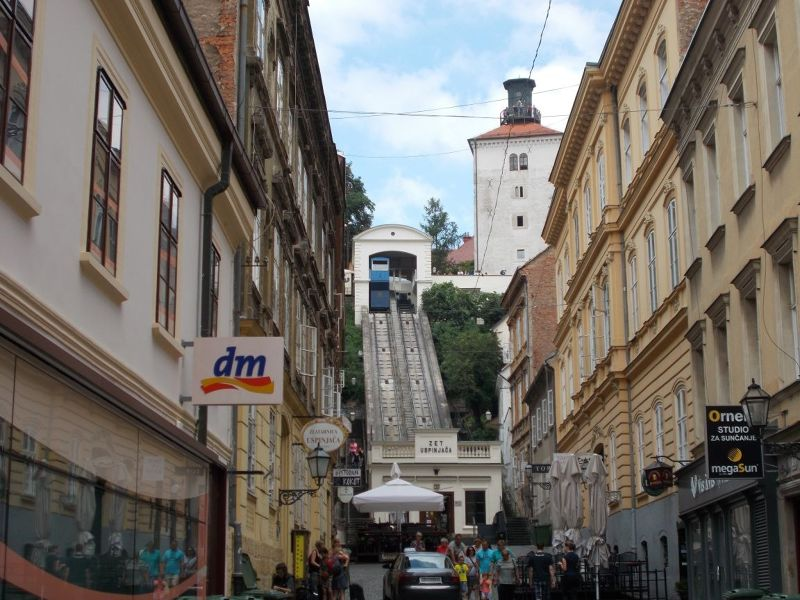 large_7138780-The_Funicular_Zagreb.jpg