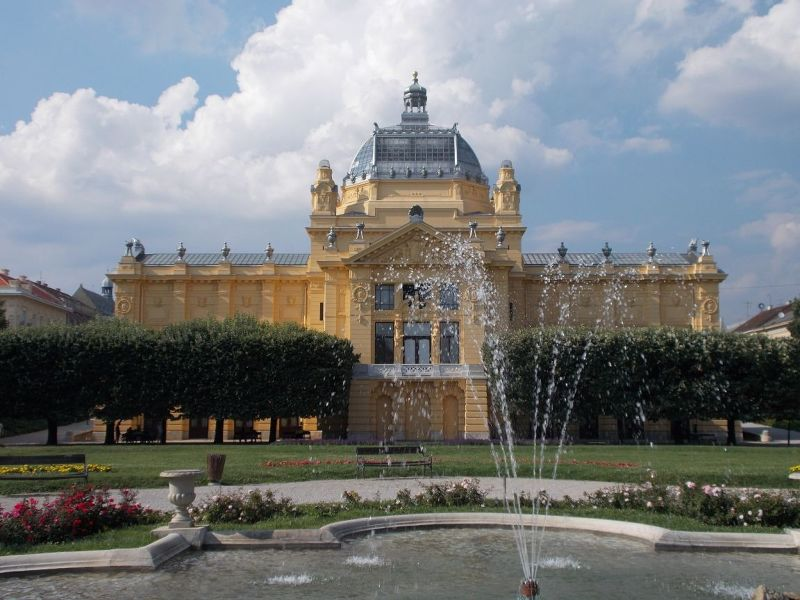 large_7138806-The_Art_Pavillion_Zagreb.jpg