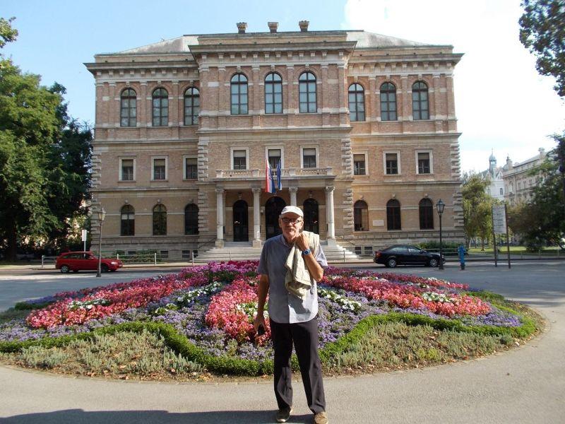 large_7138809-The_Green_Horseshoe_Area_Zagreb.jpg