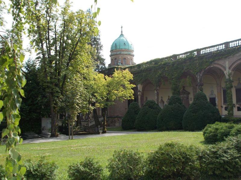 large_7138822-The_walls_of_Mirogoj_Cemetery_Zagreb.jpg