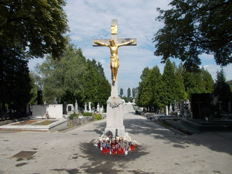 large_7138823-Mirogoj_Cemetery_Zagreb.jpg