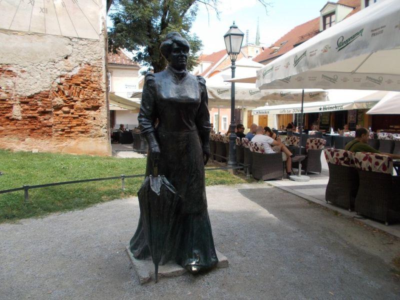 large_7138840-Statue_Of_Marija_Juric_Zagorka.jpg