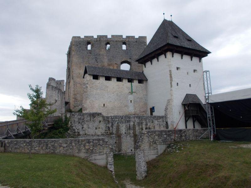 large_7146996-Celje_Castle.jpg