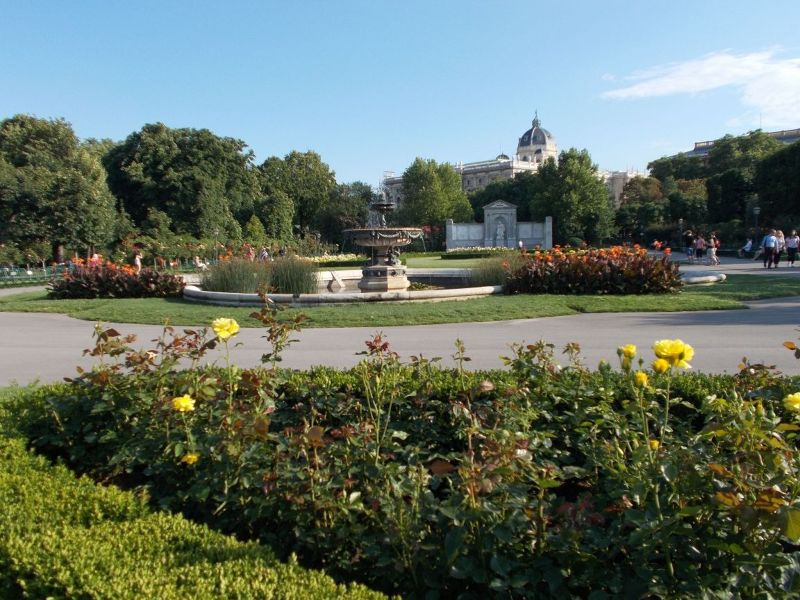 Rose Garden and Museums - Vienna