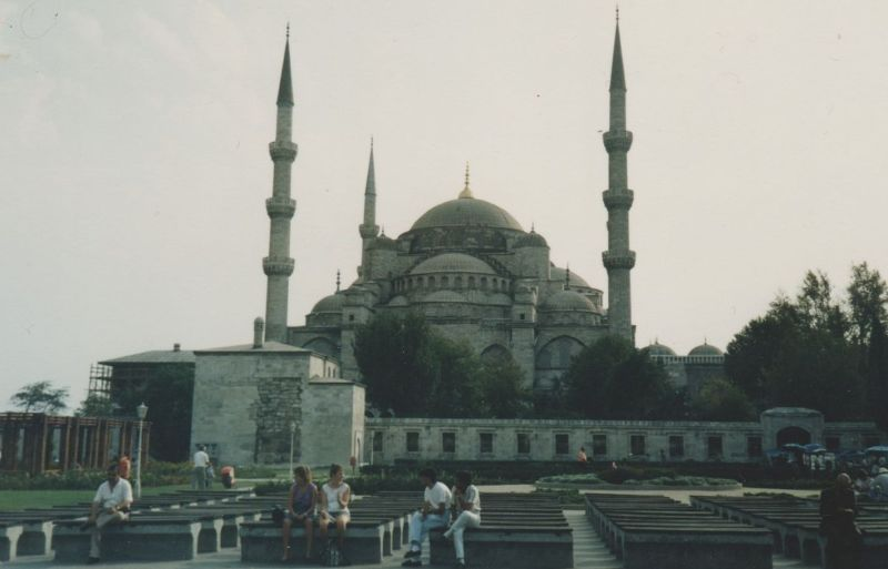 large_7186216-Sultan_Ahmed_Mosque_Istanbul.jpg