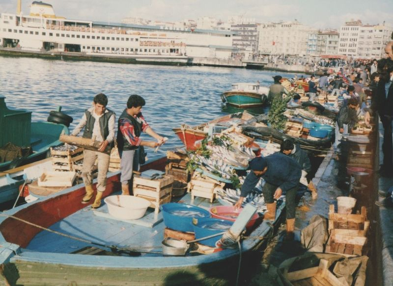 large_7186271-Fishing_Boats_Kad305koey_Istanbul.jpg