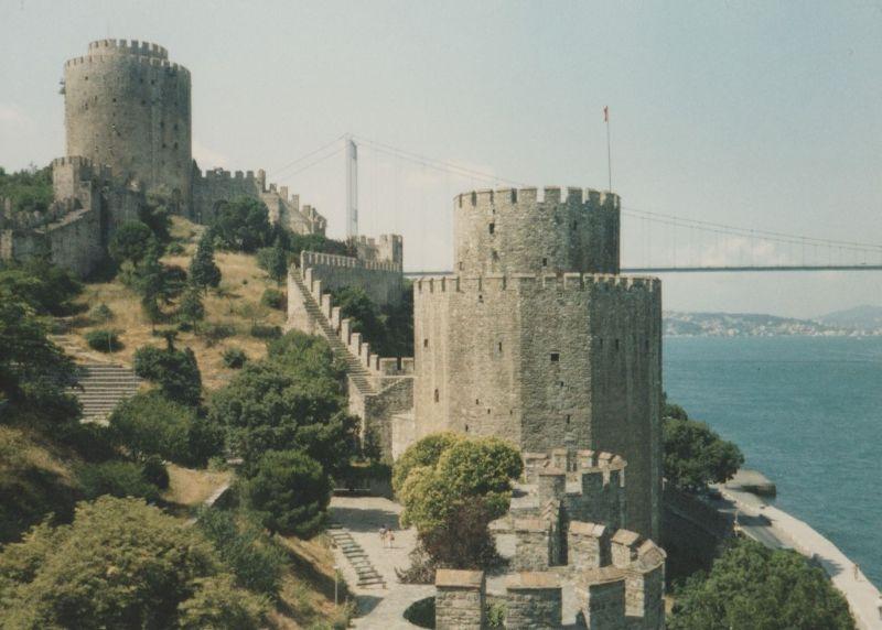 large_7189368-Rumeli_Hisari_Istanbul.jpg