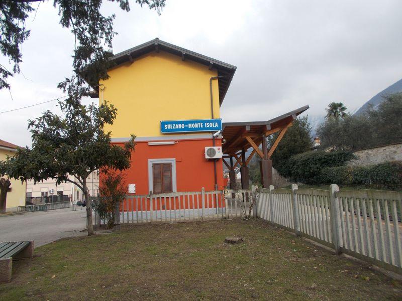 Sulzano Train Station
