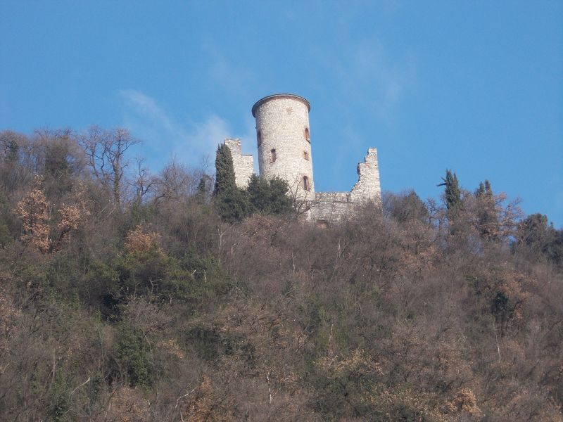 Sensole Castle
