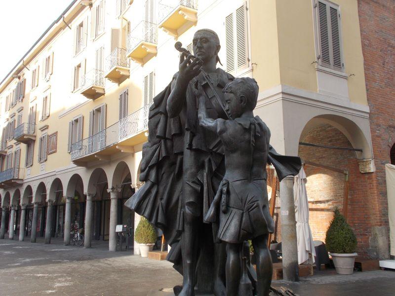Stradivari Square.