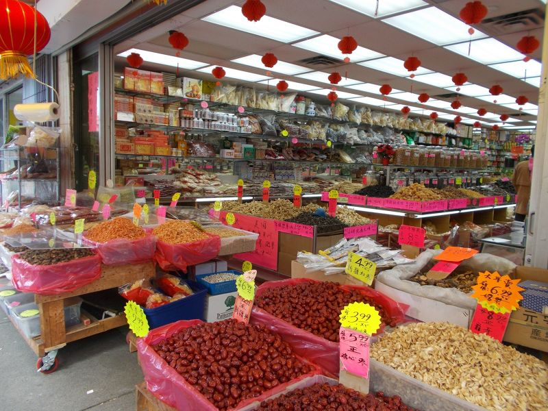 large_7350029-Chinatown_Shopping_Vancouver.jpg