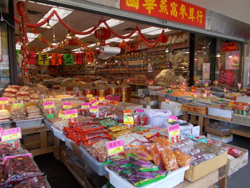 large_7350033-Chinatown_Shopping_Vancouver.jpg