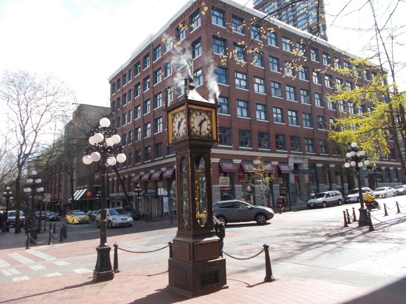 large_7350578-The_Steam_Clock_Vancouver.jpg