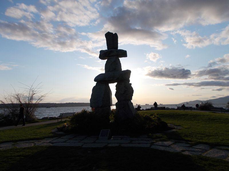 large_7351336-Inukshuk_Vancouver.jpg