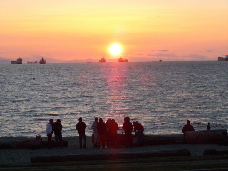 large_7351341-Sunset_Vancouver.jpg