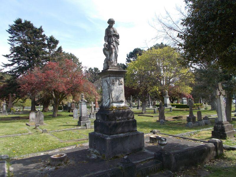 large_7355988-Ross_Bay_Cemetery.jpg