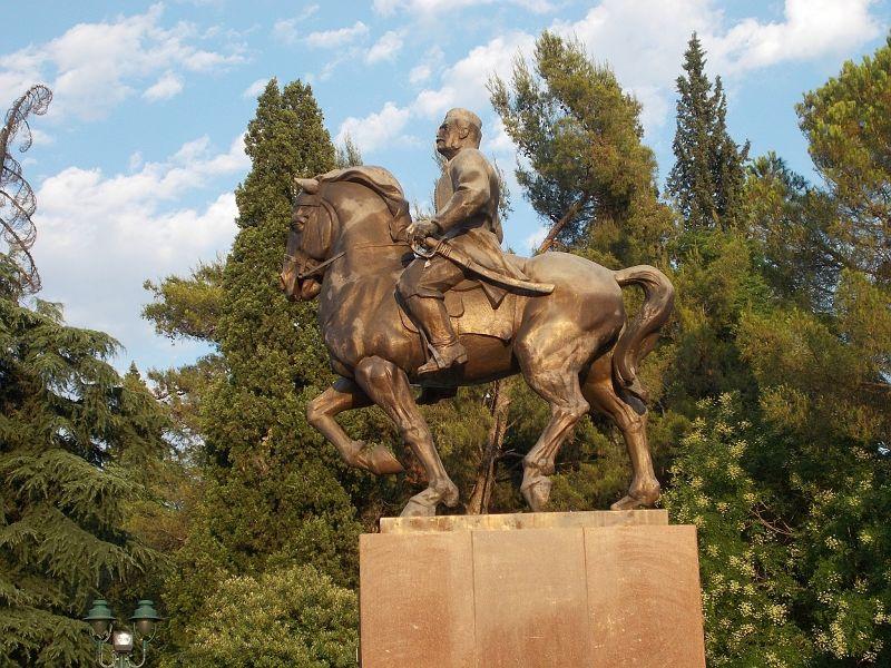 large_7444080-King_Nikola_Petrovic_Monument.jpg