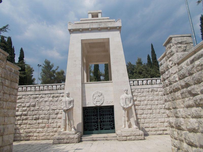 large_7444115-Partizan_Memorial.jpg