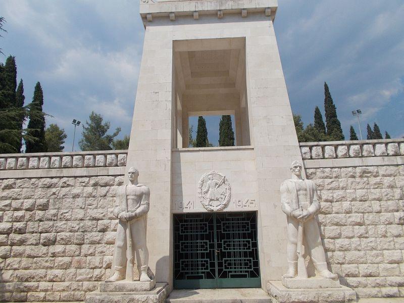 large_7444116-Partizan_Memorial.jpg