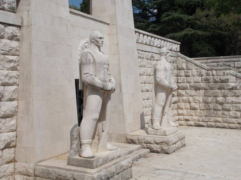 large_7444117-Partizan_Memorial.jpg