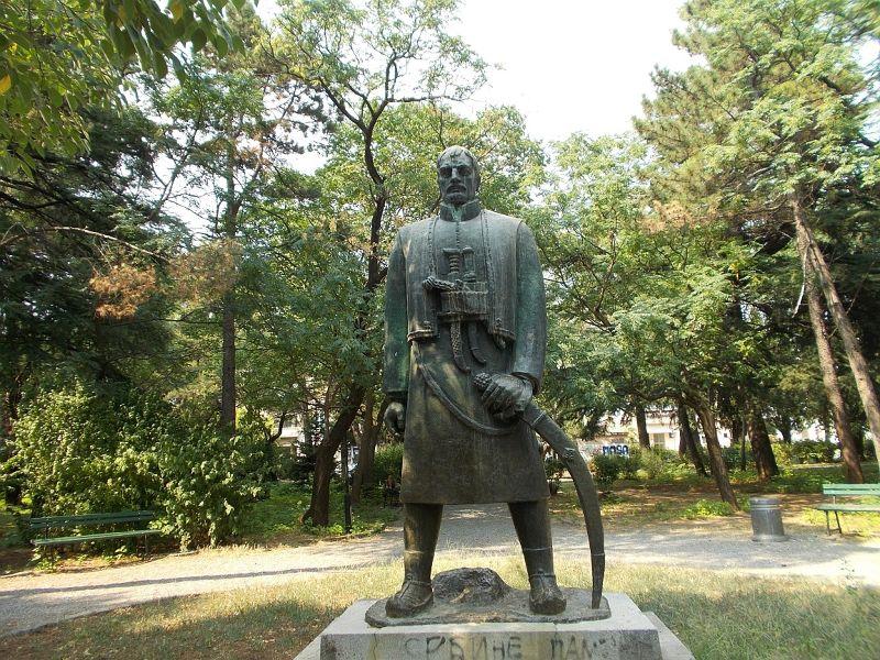 large_7444123-Karadorde_Petrovic_Monument.jpg