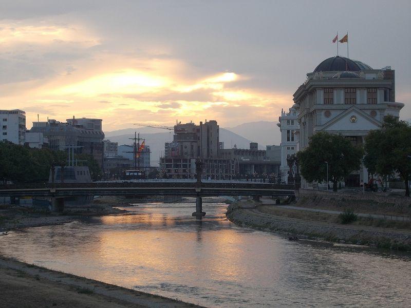 large_7449599-Sunset_over_the_Vardar_River_Skopje.jpg
