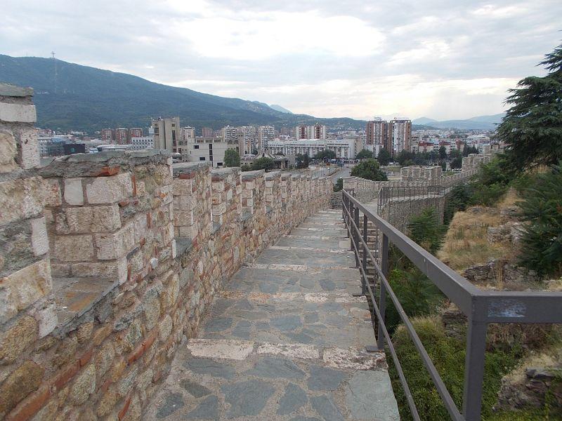 large_7449616-Kale_Fortress_Skopje.jpg